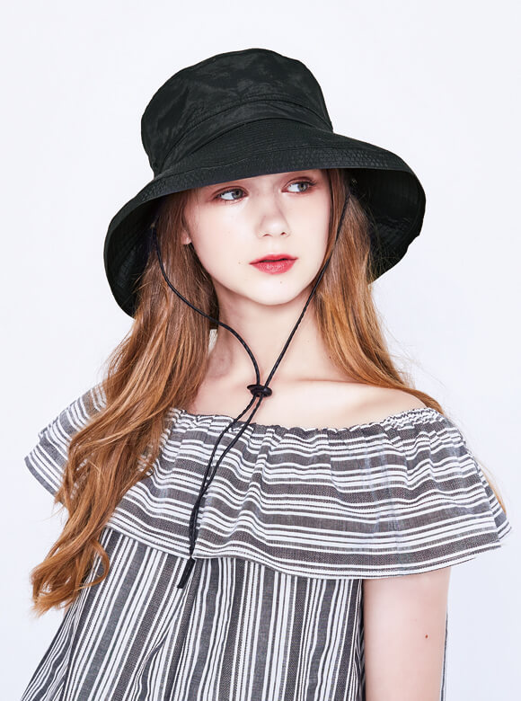The Safari hat is a perfect companion for all outdoor activities!